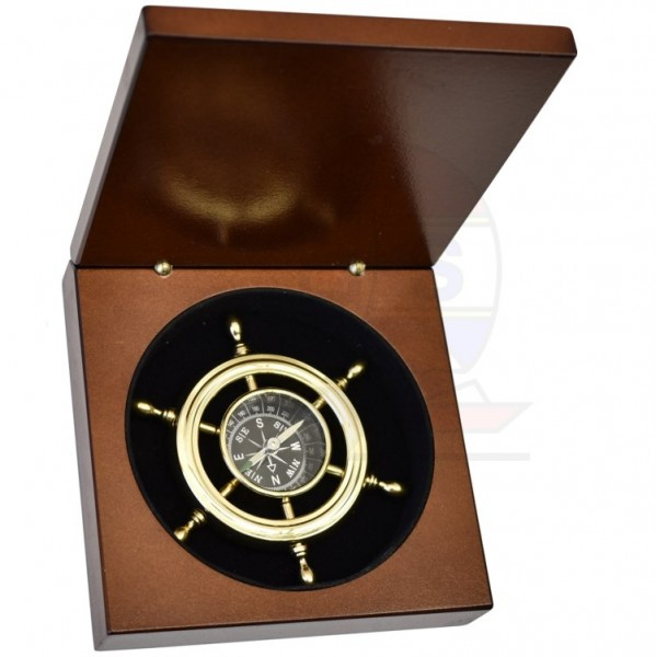 Kompass im Steuerrad Messing